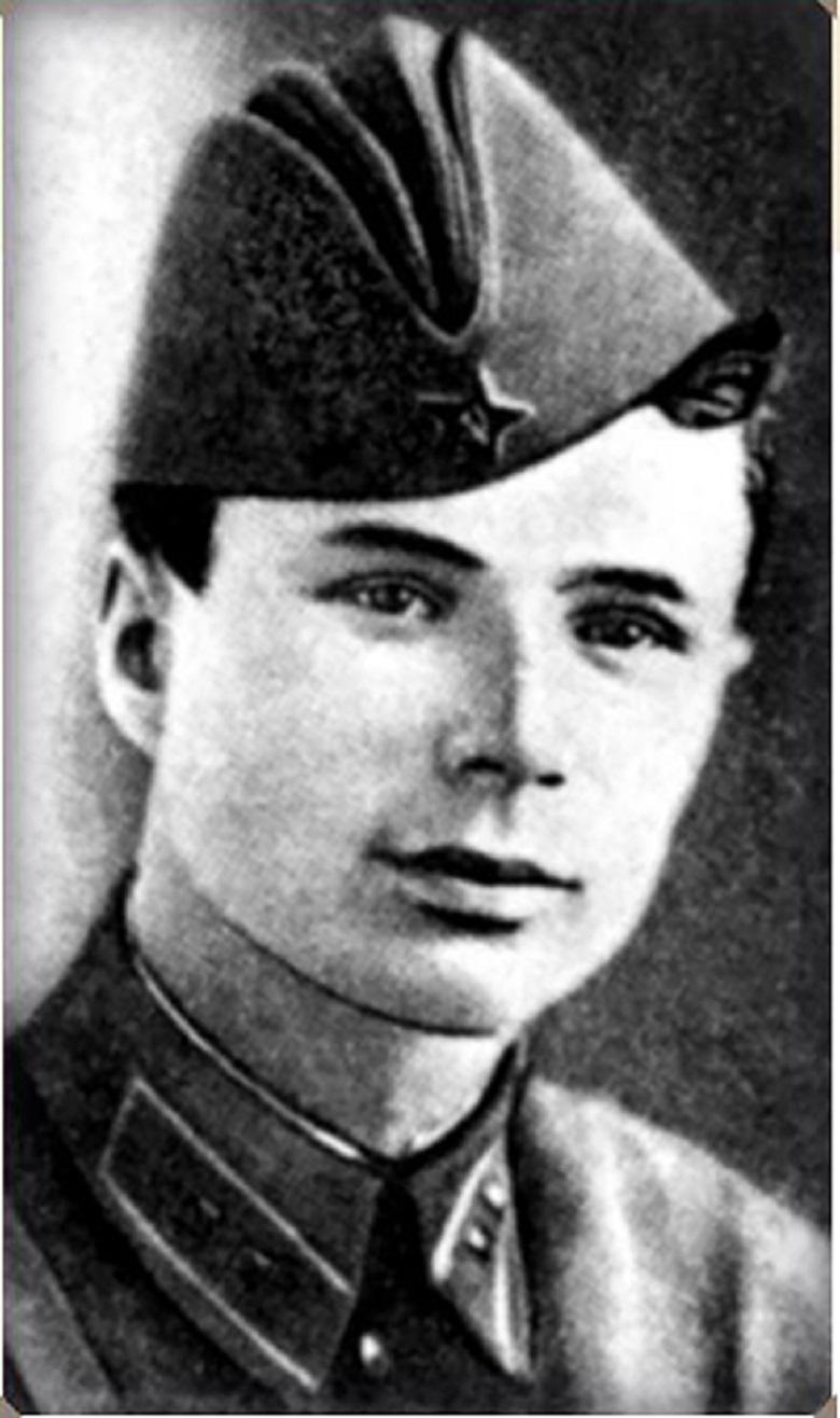 Александр Сивачёв.